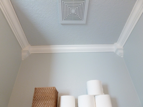 Black Crown Molding On Kitchen Cabinets