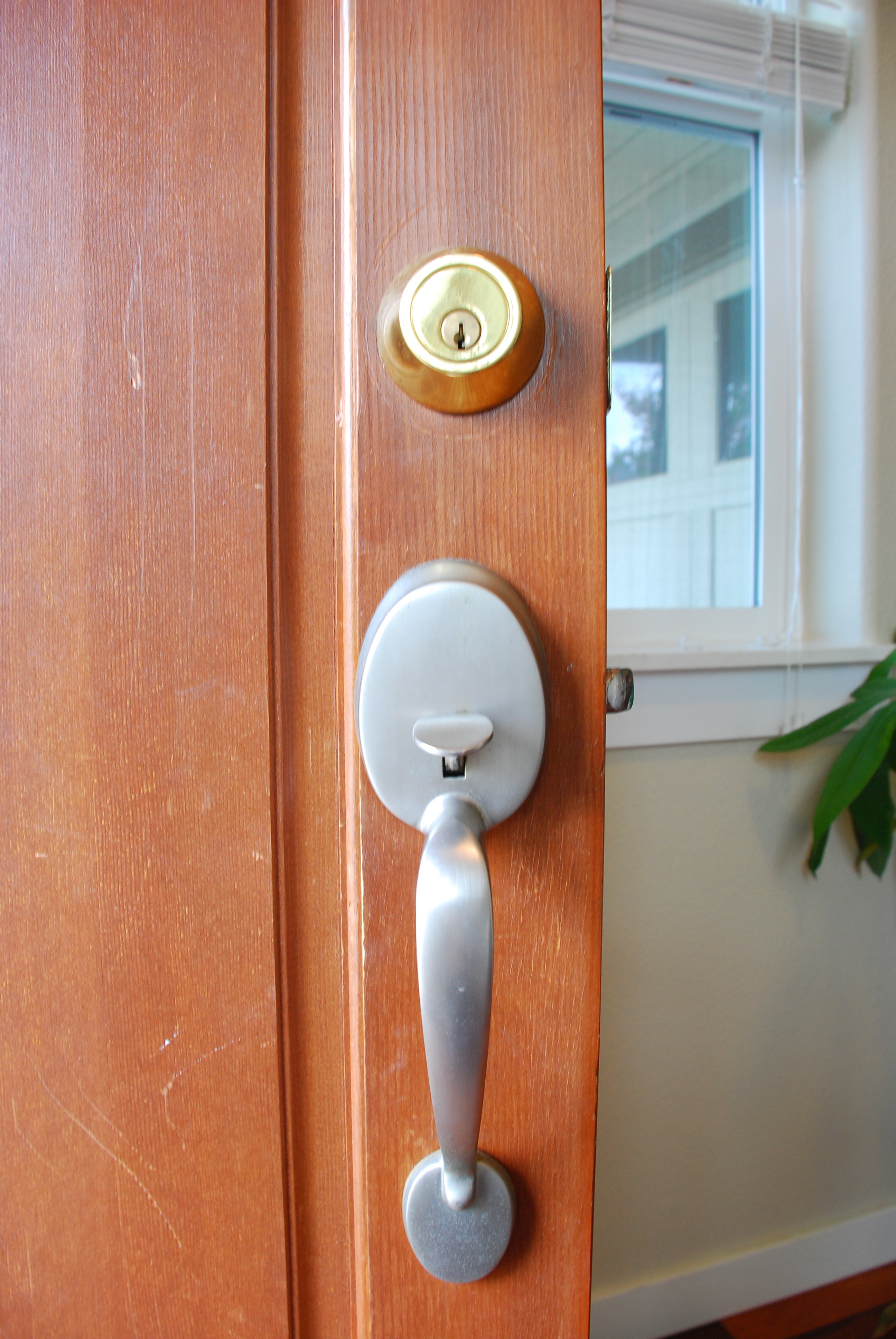 Shut the front door tell 39 er all about it for Door handles for exterior doors